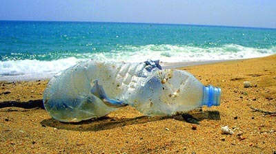 Plastic-water-bottle-rubbish-beach
