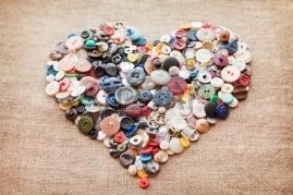 10332314-buttons-heart-valentine